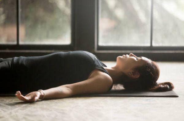 Beneficios del yoga - yoga en casa yoga online